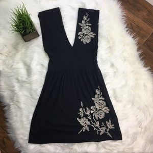 For Love And Liberty Embroidered Knit Dress M